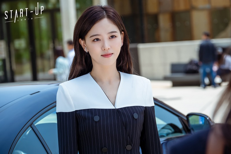 https: img.okezone.com content 2020 10 02 33 2287636 susul-park-seo-joon-kang-han-na-jadi-cameo-dalam-record-of-youth-xm95yy1Zex.jpg