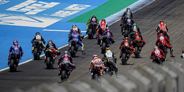 https: img.okezone.com content 2020 10 02 38 2287221 motogp-2020-sisakan-enam-balapan-lagi-siapa-kandidat-kuat-juara-MumHblSXKb.jpg
