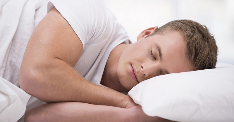 https: img.okezone.com content 2020 10 02 481 2287308 posisi-tidur-berpengaruh-pada-kesehatan-kulit-benarkah-NtCGjhfgTQ.jpg