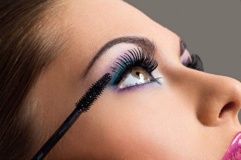 https: img.okezone.com content 2020 10 02 611 2287185 6-tips-makeup-agar-tak-berjerawat-karena-pakai-masker-O6OhYXgMTw.jpg