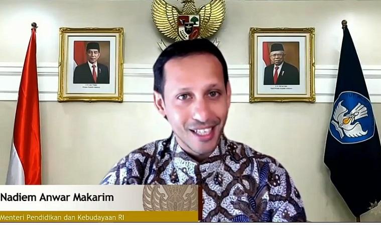 https: img.okezone.com content 2020 10 02 65 2287639 mendikbud-batik-bermakna-filosofis-bagi-masyarakat-indonesia-x79hIjp8my.jpg