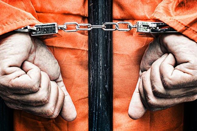 https: img.okezone.com content 2020 10 04 610 2288281 gadai-motor-ayahnya-pemuda-ini-dipolisikan-H1OiSpkz8z.jpg