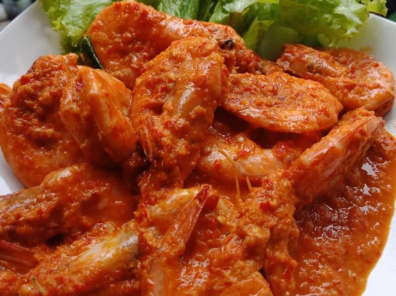 https: img.okezone.com content 2020 10 05 298 2288659 resep-makan-malam-udang-rica-rica-lezat-menggoyang-lidah-EoAYASFuUV.jpg