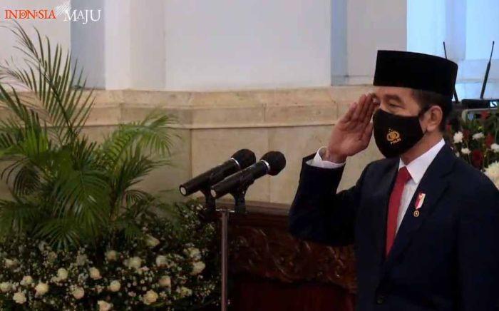 https: img.okezone.com content 2020 10 05 337 2288465 presiden-jokowi-atas-nama-rakyat-saya-sampaikan-selamat-hut-ke-75-tahun-tni-TevzWLu5k2.jpg