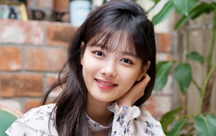 https: img.okezone.com content 2020 10 05 598 2288485 kim-yoo-jung-diincar-untuk-dampingi-ahn-hyo-seop-bintangi-drama-hong-chun-gi-pmDh02Lxun.jpg