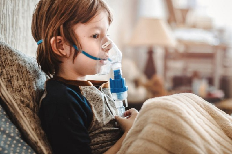 https: img.okezone.com content 2020 10 05 612 2288683 tak-perlu-pakai-nebulizer-kecuali-anak-tunjukkan-gejala-asma-KheimUtuRG.jpg