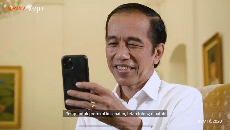 https: img.okezone.com content 2020 10 05 620 2288516 ketika-presiden-jokowi-dengar-curhatan-perawat-lewat-video-call-wRbuFWVmBD.jpeg