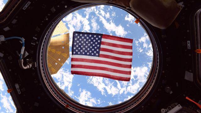 https: img.okezone.com content 2020 10 06 16 2289110 ini-cara-3-astronaut-nasa-ikut-pemilihan-presiden-dari-luar-angkasa-JuRbD0E6iM.jpg
