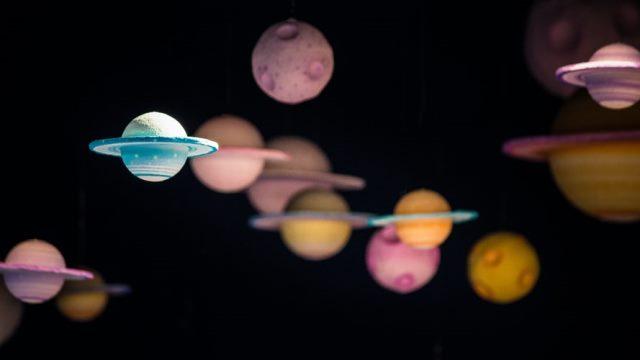 https: img.okezone.com content 2020 10 06 16 2289378 ditemukan-24-planet-yang-diklaim-lebih-layak-huni-dibanding-bumi-aYN9KspCk1.jpg