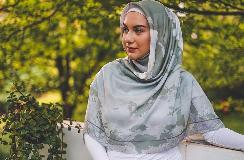 https: img.okezone.com content 2020 10 06 33 2289368 ajak-anak-berjemur-hijab-irish-bella-jadi-sorotan-publik-dUYbaxPNKc.jpg