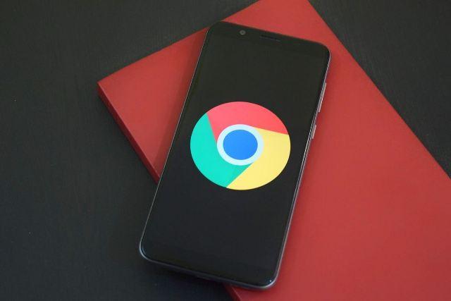 https: img.okezone.com content 2020 10 07 16 2289807 google-chrome-untuk-seluler-beri-tahu-pengguna-jika-password-diretas-NlxrkpH048.jpg