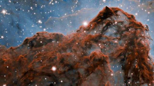 https: img.okezone.com content 2020 10 07 16 2289902 astronom-rilis-gambar-awan-nebula-carina-yang-sangat-tajam-ZxRGLb9PN9.jpg