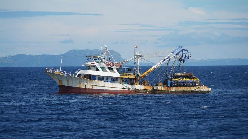 https: img.okezone.com content 2020 10 07 337 2289564 kkp-tangkap-2-kapal-filipina-di-samudera-pasifik-6xgpCMdCpA.jpg