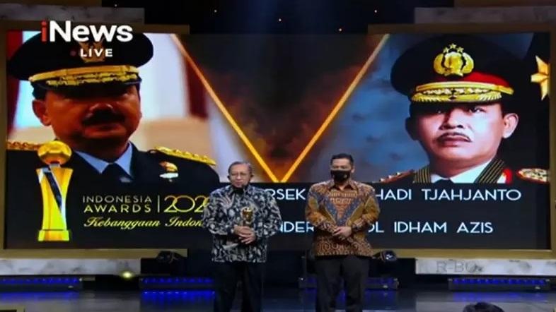 https: img.okezone.com content 2020 10 07 337 2290103 panglima-tni-dan-kapolri-raih-penghargaan-tokoh-publik-di-indonesia-awards-2020-yXRbdxQKt0.jpg