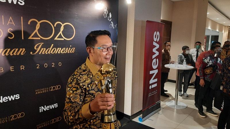 https: img.okezone.com content 2020 10 07 337 2290129 pemprov-jabar-raih-penghargaan-bidang-parekraf-di-indonesia-awards-2020-JbzfxigLuz.jpg