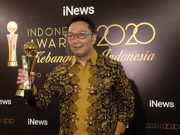 https: img.okezone.com content 2020 10 07 337 2290133 ridwan-kamil-sebut-sepertiga-ekspor-ekonomi-kreatif-indonesia-disumbang-jabar-E5VH63mS3Z.jpg