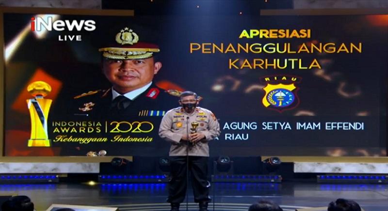 https: img.okezone.com content 2020 10 07 337 2290141 indonesia-awards-2020-polda-riau-dapat-apresiasi-atas-penanggulangan-karhutla-QMCQfj3syu.jpg
