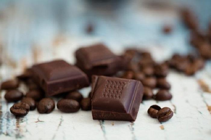 https: img.okezone.com content 2020 10 07 481 2289842 khasiat-cokelat-untuk-kesehatan-cegah-kanker-hingga-perkuat-otak-64LdRQ4sEk.jpg