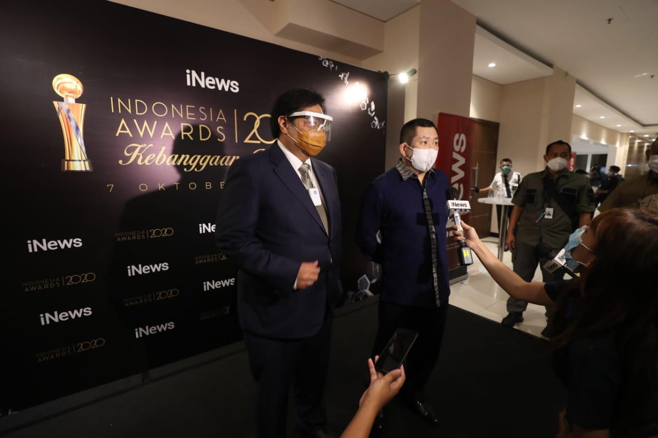 https: img.okezone.com content 2020 10 08 338 2290160 berharap-peraih-indonesia-awards-2020-jadi-role-model-hary-tanoesoedibjo-bangsa-kita-akan-lebih-baik-R5ZQesGwVo.jpg