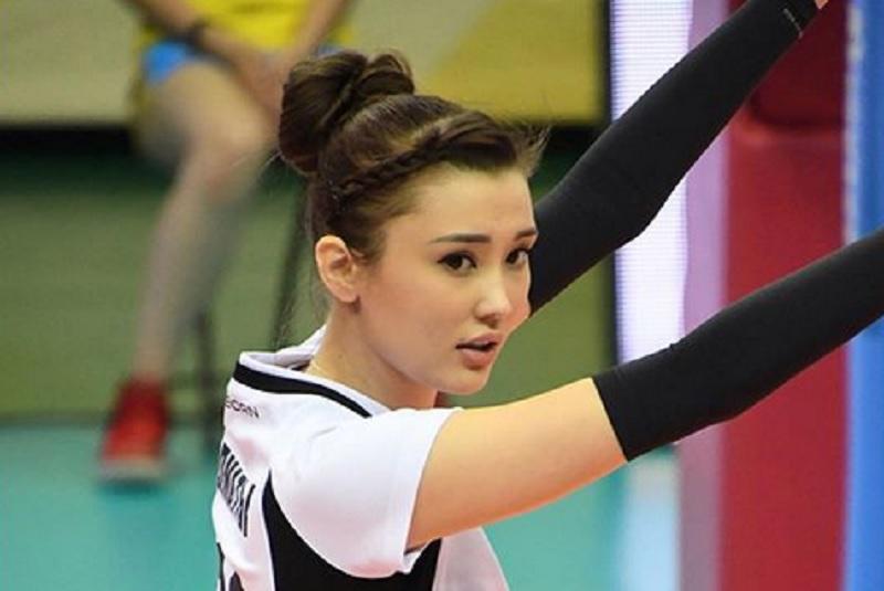 https: img.okezone.com content 2020 10 08 43 2290330 intip-aksi-pevoli-cantik-sabina-altynbekova-main-basket-saat-cedera-U2eesxzHq8.jpg