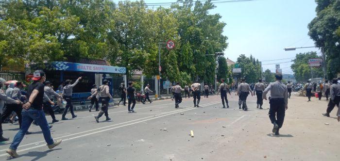 Aksi Demonstrasi Di Kota Cirebon Ricuh Okezone News