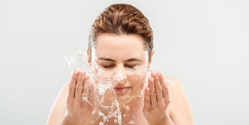 https: img.okezone.com content 2020 10 08 611 2290352 beautypedia-apa-itu-face-wash-I3jeOQH0Pb.jpg