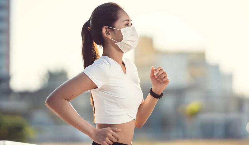 https: img.okezone.com content 2020 10 08 620 2290373 lari-di-masa-pandemi-bisa-tingkatkan-imunitas-benarkah-DrwsbtdPfQ.jpg