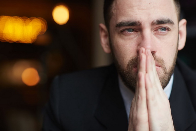 https: img.okezone.com content 2020 10 09 481 2291052 ternyata-menangis-memiliki-dampak-positif-untuk-kesehatan-skvoOnic8M.jpg