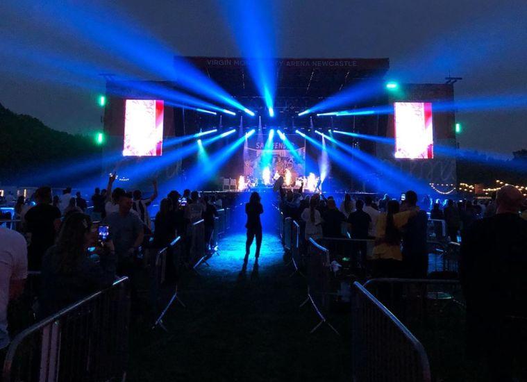 https: img.okezone.com content 2020 10 09 620 2291025 pekerja-seni-keluhkan-konser-virtual-tak-memuaskan-Rzt7rU3ouK.jpeg