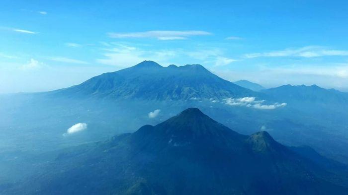 https: img.okezone.com content 2020 10 10 16 2291419 gunung-berfungsi-sebagai-pasak-bumi-dijelaskan-dalam-alquran-dan-sains-lmtjOrBqXy.jpg