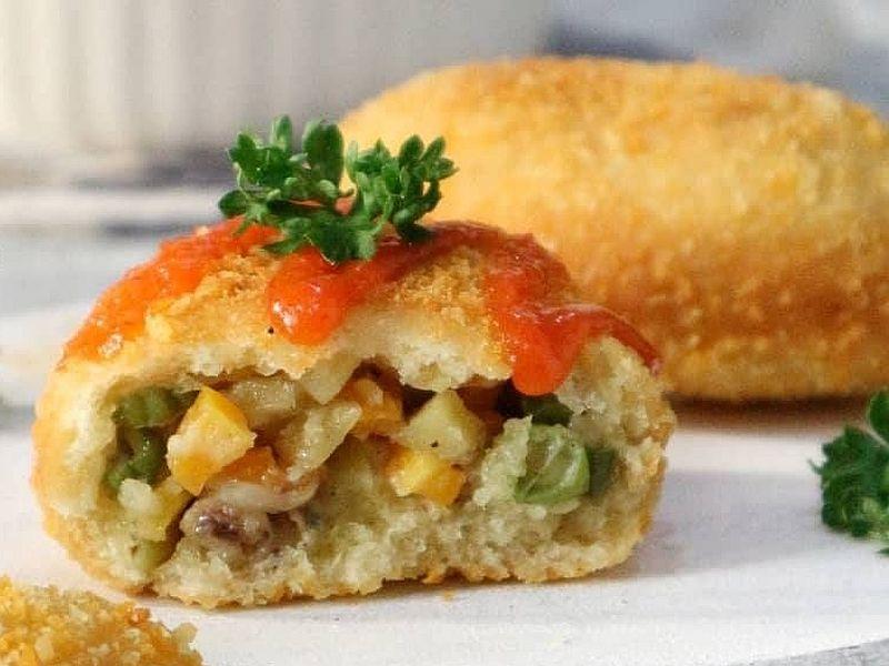 https: img.okezone.com content 2020 10 10 298 2291450 roti-goreng-isi-sayur-camilan-sehat-yang-disukai-banyak-orang-cMCwYeyvKG.jpg