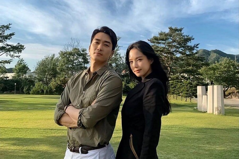 https: img.okezone.com content 2020 10 10 598 2291515 naeun-apink-dan-song-seung-heon-reuni-dalam-variety-show-baru-h0yTrfVq1f.jpg