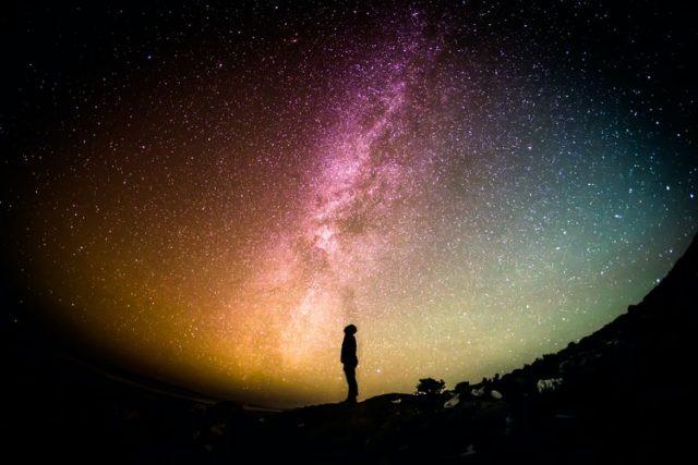 https: img.okezone.com content 2020 10 11 16 2291919 ini-penjelasan-alquran-dan-sains-mengenai-terbentuknya-alam-semesta-jdEsqo1Tpy.jpg