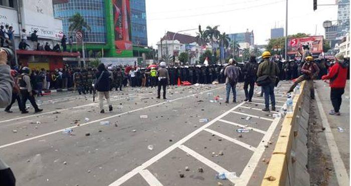 https: img.okezone.com content 2020 10 11 337 2291864 ijti-kekerasan-jurnalis-masih-marak-ancaman-nyata-bagi-kebebasan-pers-tanah-air-zKAPtjKncJ.jpg