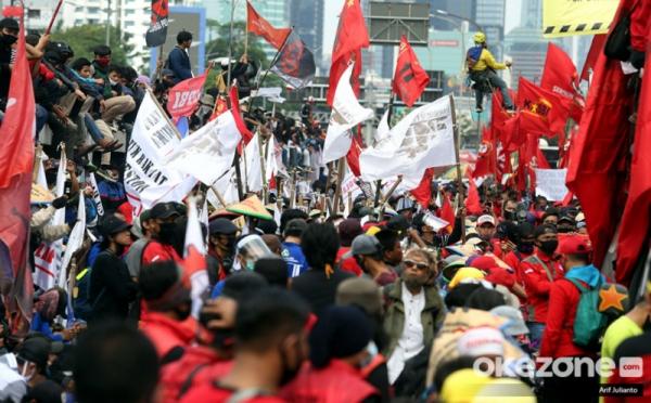 https: img.okezone.com content 2020 10 11 337 2291892 bin-kantongi-nama-dalang-di-balik-kerusuhan-demo-omnibus-law-PoBAclwsUi.jpg