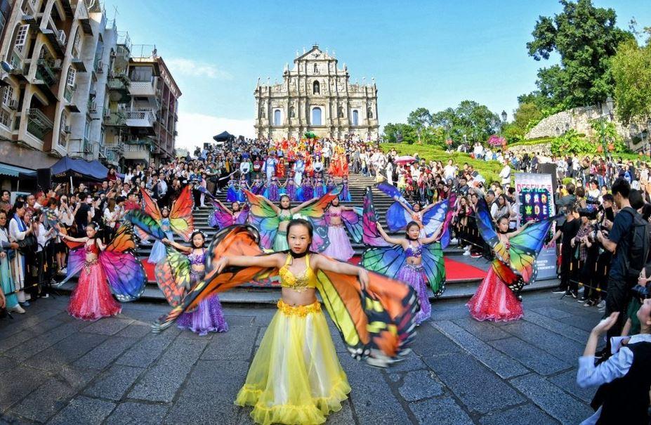https: img.okezone.com content 2020 10 11 406 2291735 parade-internasional-macau-2020-batal-gara-gara-corona-j0qUC7XQFS.JPG