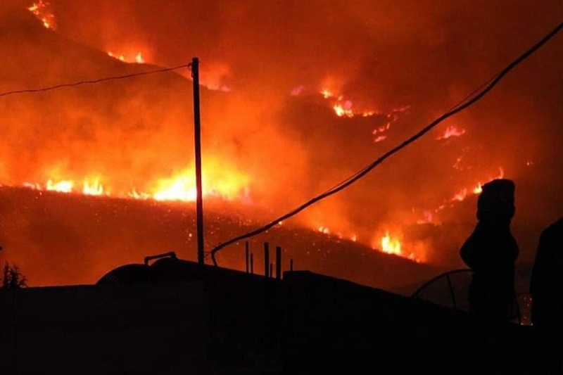 https: img.okezone.com content 2020 10 12 18 2292517 dilanda-kekeringan-dan-kebakaran-masjid-di-seluruh-suriah-gelar-sholat-minta-hujan-XDxz7B0qJ9.jpg