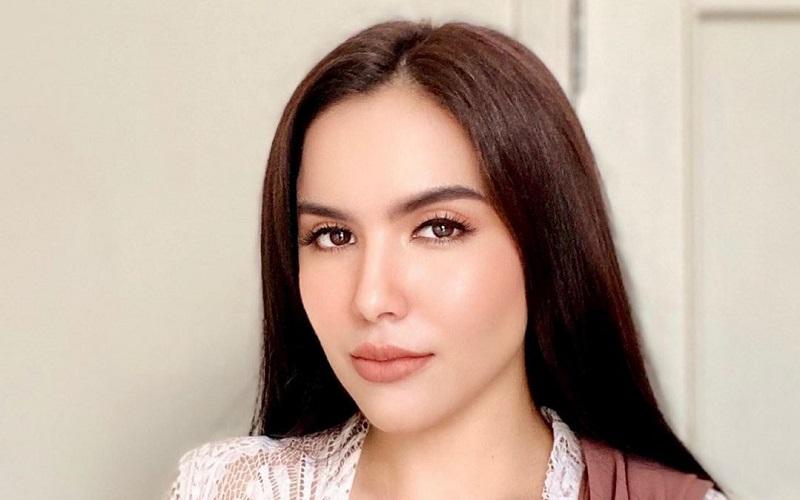 https: img.okezone.com content 2020 10 12 33 2292104 sally-adelia-girls-squad-gelar-pengajian-jelang-pernikahan-fqCXvkvIHK.jpg