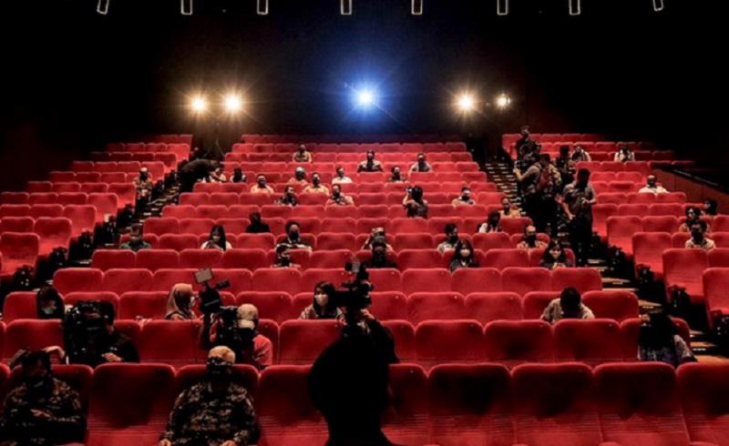https: img.okezone.com content 2020 10 12 481 2292064 bioskop-diizinkan-beroperasi-10-protokol-kesehatan-ini-wajib-dijalani-rqip6fIckr.jpg