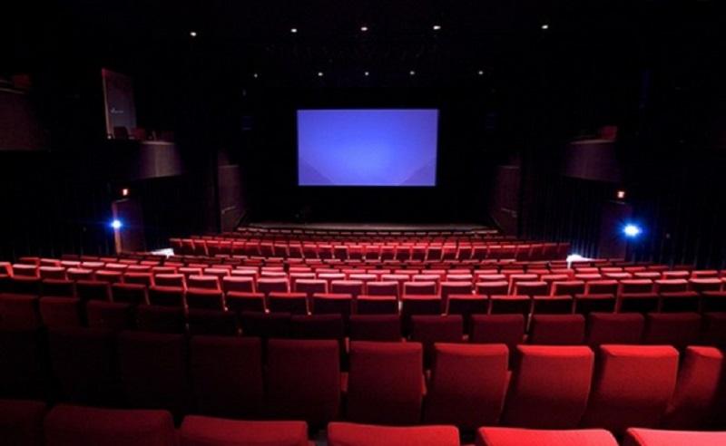 https: img.okezone.com content 2020 10 12 481 2292080 sirkulasi-udara-bioskop-tak-baik-risiko-terpapar-covid-19-cukup-tinggi-d7B2r6iJ1W.jpg