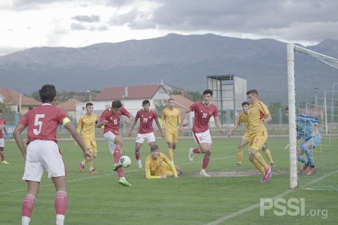 https: img.okezone.com content 2020 10 12 51 2292223 melempem-di-laga-debut-jack-brown-menggila-pada-laga-timnas-u-19-vs-makedonia-utara-IvCBx7cYh2.jpg