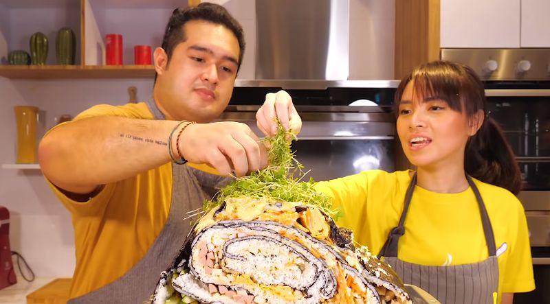 https: img.okezone.com content 2020 10 13 301 2292753 mencoba-buat-sushi-mentai-raksasa-beratnya-18-kg-bb6B5CQms4.jpg