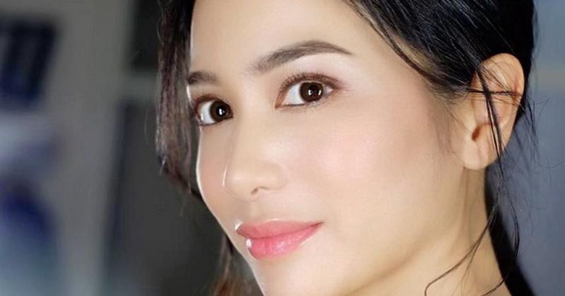 https: img.okezone.com content 2020 10 13 33 2292997 balas-nyinyir-netizen-bunga-zainal-ungkap-bahagia-jalani-pernikahan-vk4nqKix1m.jpg