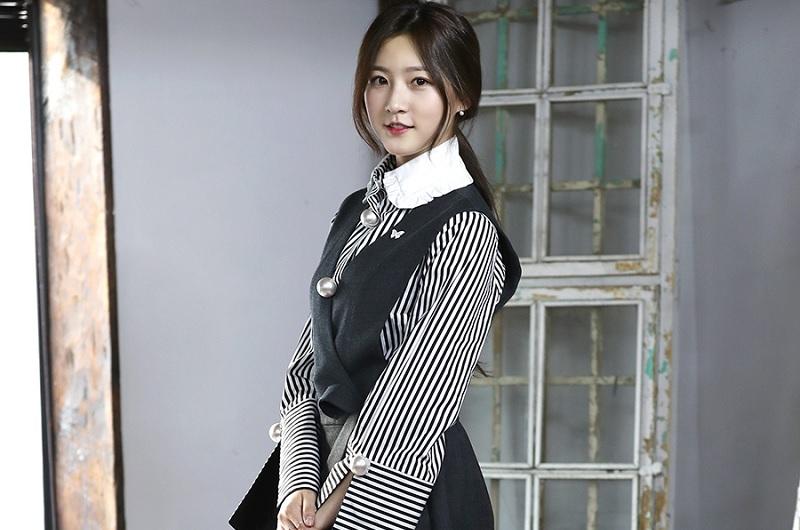 https: img.okezone.com content 2020 10 13 33 2293017 fakta-kim-sae-ron-mantan-aktris-cilik-yang-pernah-di-bully-dan-jago-masak-FPlATgxhcO.jpg