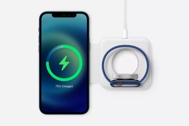 https: img.okezone.com content 2020 10 14 16 2293384 iphone-12-diklaim-2-kali-lebih-cepat-isi-baterai-secara-nirkabel-ggoEZCBQJt.jpg