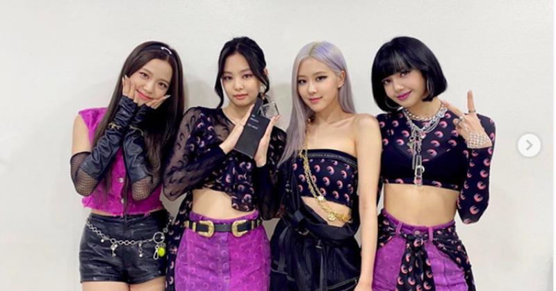 https: img.okezone.com content 2020 10 14 205 2293339 blackpink-rajai-chart-penjualan-album-untuk-girl-group-Pto18vS21G.jpg