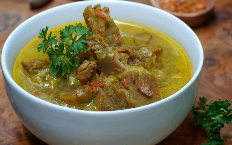 https: img.okezone.com content 2020 10 14 301 2293276 gulai-tengkleng-kuliner-ciamik-asal-kota-batik-wGTwtUi11x.jpg