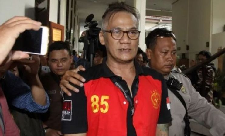 https: img.okezone.com content 2020 10 14 33 2293519 tio-pakusadewo-ditangkap-di-hari-ulang-tahun-putrinya-XMCyCO7jlG.jpg