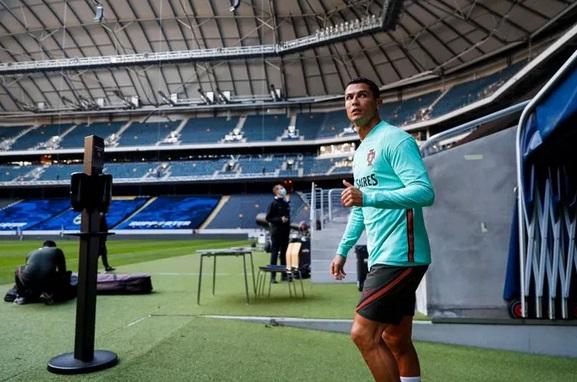 Cristiano Ronaldo CR7 Dinyatakan Resmi Positif Corona