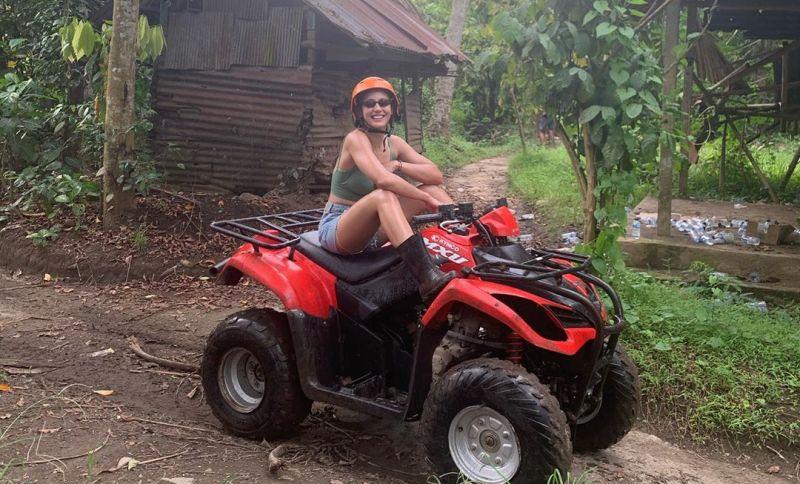 https: img.okezone.com content 2020 10 14 549 2293641 berwisata-ke-bali-pevita-pearce-adu-nyali-di-silakarang-adventure-mjEl9QL2S3.jpg